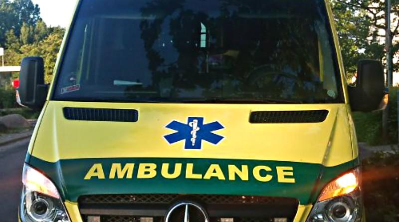 Ambulance påkørt under udrykning