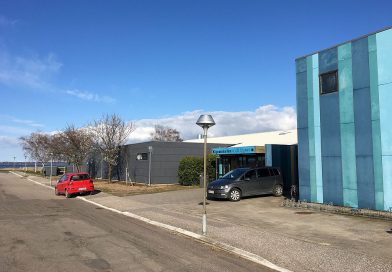 Kommunen opsiger aftale med caféforpagter i Kignæshallen